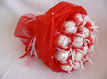 Как сделать букет из конфет в органзе своими руками?
