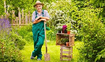 Что подарить на 23 февраля мужчине, увлекающемуся дачей и садом?