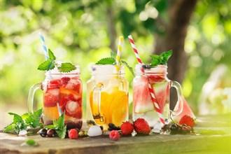 Лучшие травы для летних напитков. Рецепты.