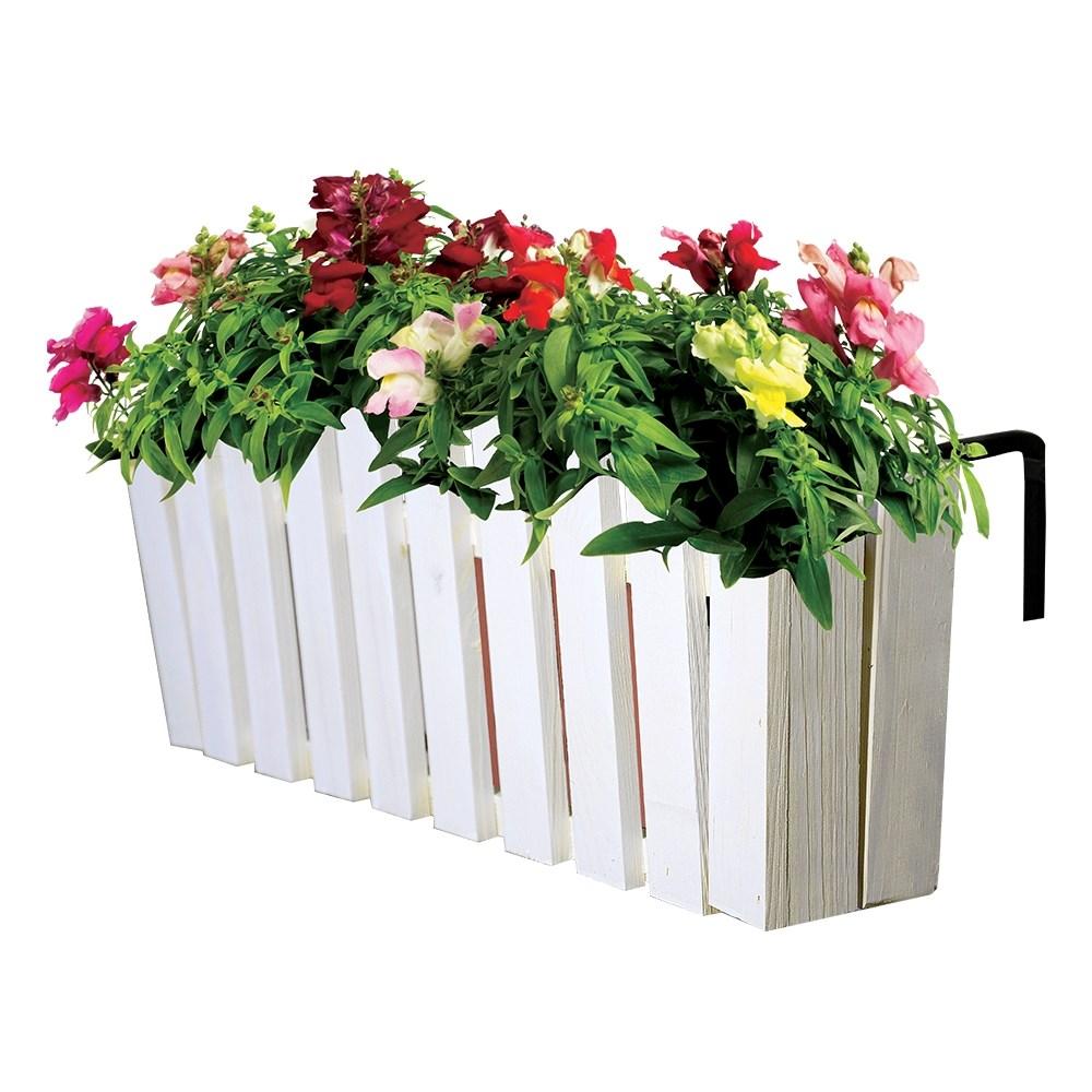 Купить ящик на балкон для цветов.