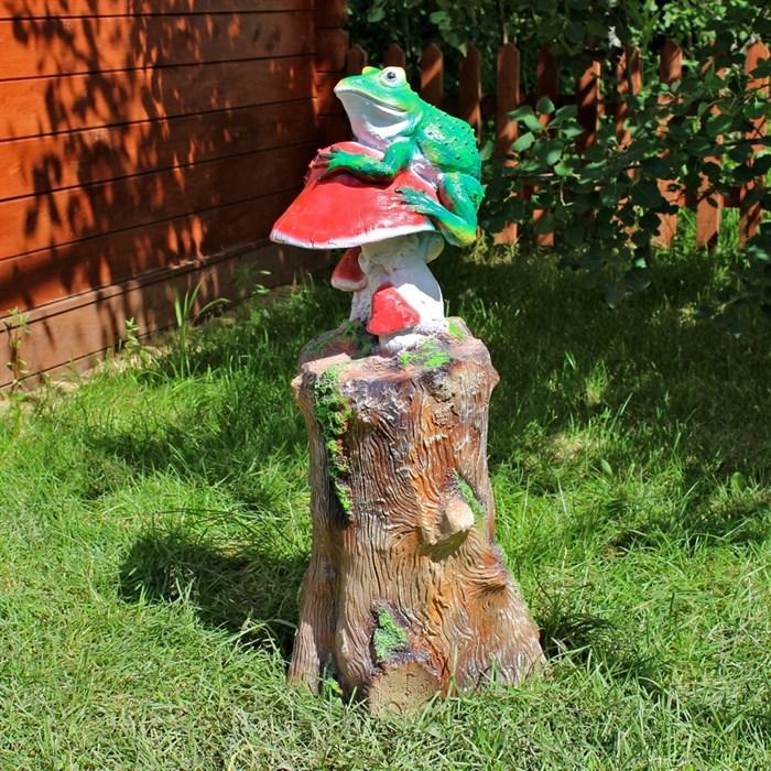 Фигура Пень с лягушкой и грибами - фото 60934