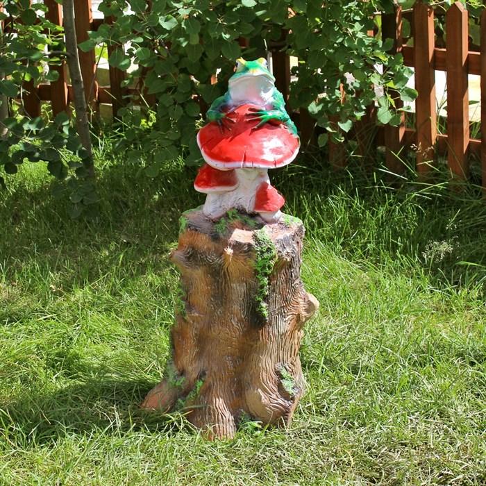 Фигура Пень с лягушкой и грибами - фото 60935
