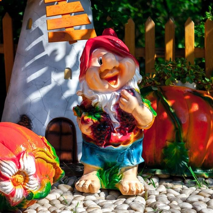 Фигура Гном с виноградом - фото 62748