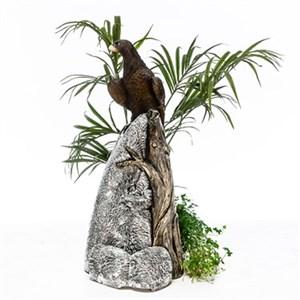 Фигура Орел на камне