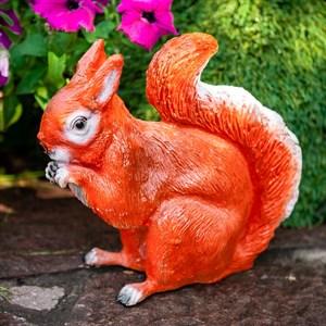 Фигура садовая Белка сидит 25см - фото 60718