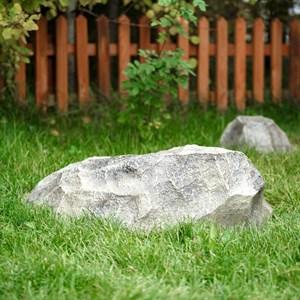 Крышка люка Камень-валун F03093