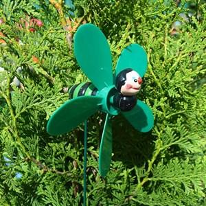 Стикер Пчелка с ветряком