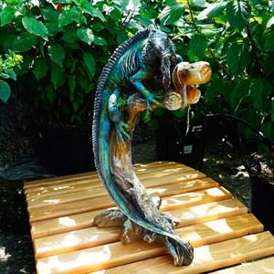 Фигура Игуана на ветке