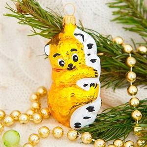 Игрушка ёлочная Мишка на дереве 9см