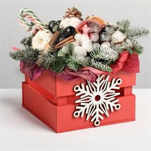 Ящик реечный подарочный Снежинка 13*13*9 см с декором