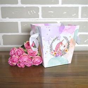 Коробка для цветов Трапеция 15*14,5*11см единорог на цветном
