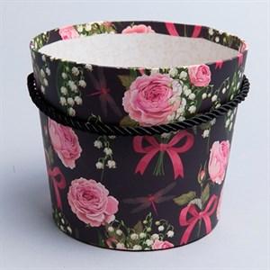 Коробка для цветов Конус 15*13см розы на черном
